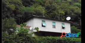 Casa indipendente all'asta in via flaminia