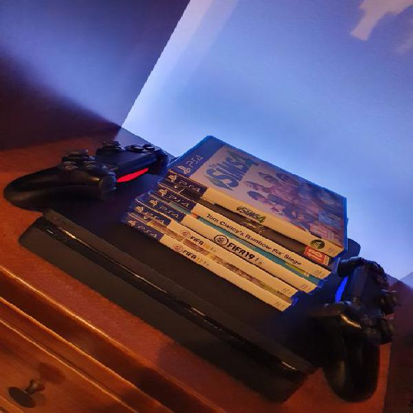PS4 Slim 1TB + 2 CONTROLLER + 3 GIOCHI GRATIS