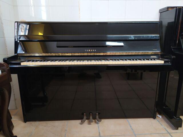 Pianoforte yamaha m1j nero con trasporto e accordatura