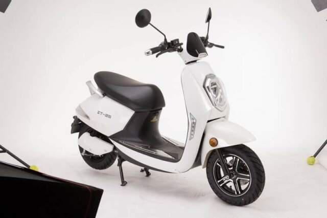 Scooter elettrico z-tech zt-25 targabile (anche trasporto
