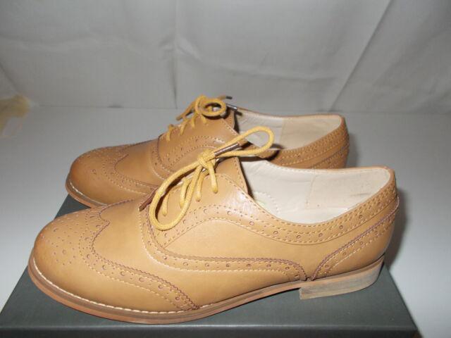 Scarpe beige stile inglese