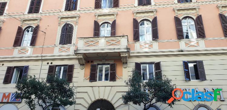 Bilocale in palazzo d'epoca