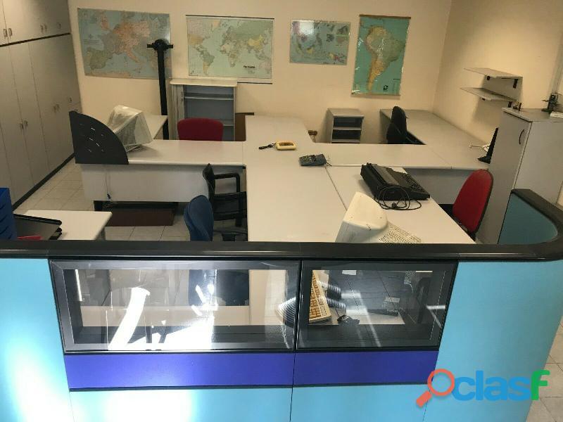 Ufficio operativo 5 postazioni di lavoro   armadio 14 ante CODICE A 3