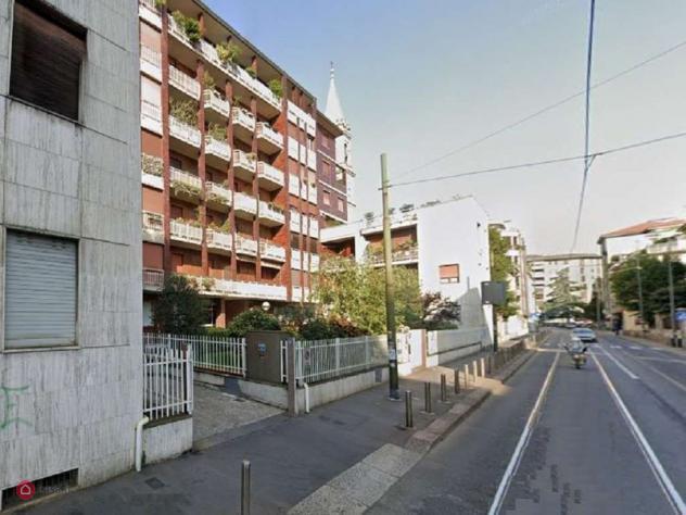 Ufficio di 173mq in via lorenzo bartolini a milano
