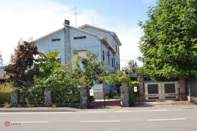 Casa bi/trifamiliare di 270mq in via paradigna a parma