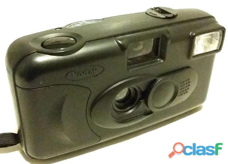 Macchina fotografica vintage 35mm.kodak kb 10 testata nuova