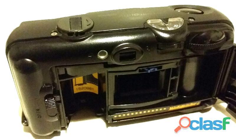 Macchina fotografica vintage 35mm.Kodak KB 10 testata nuova 1