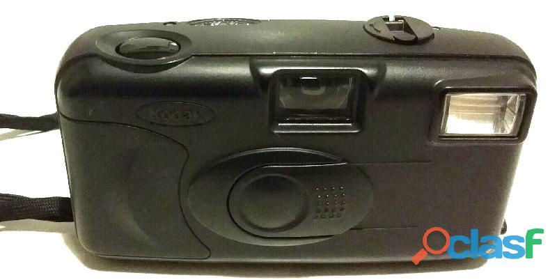 Macchina fotografica vintage 35mm.Kodak KB 10 testata nuova 3