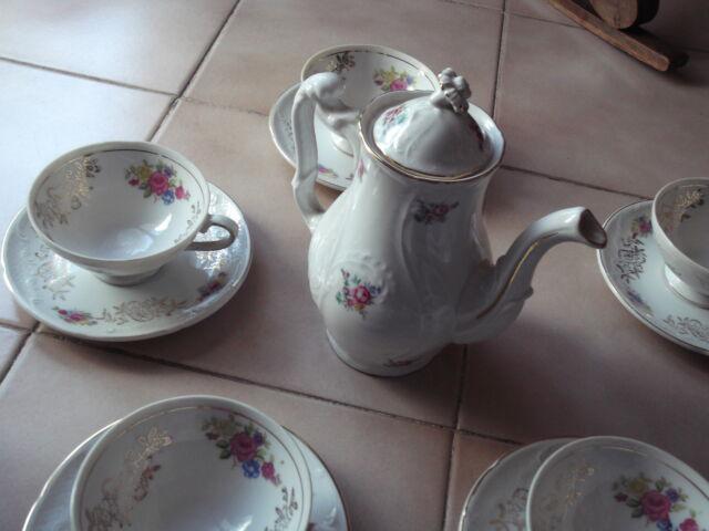 Servizio da té in porcellana, completo
