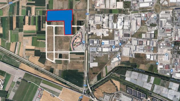 Vendesi lotto terreno industriale commerciale