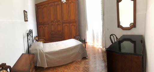Bilocale con living room ad uso comune in via m. greco