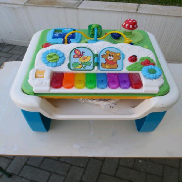 Tavolo giocamusica chicco