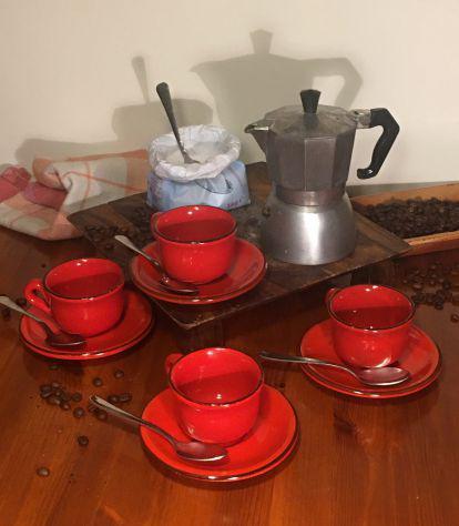 Caffettiera moka + 4 tazze rosse
