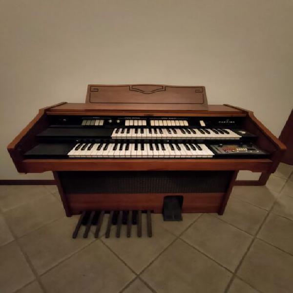 Organo farfisa partner 15
