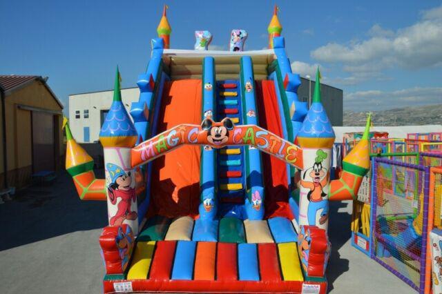 Produzione giochi gonfiabili scivoli playground tappeti