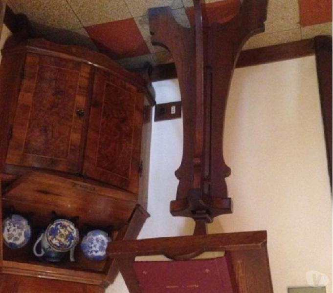 leggio in legno da terra alto 115 in vendita Roma - Vendita mobili usati