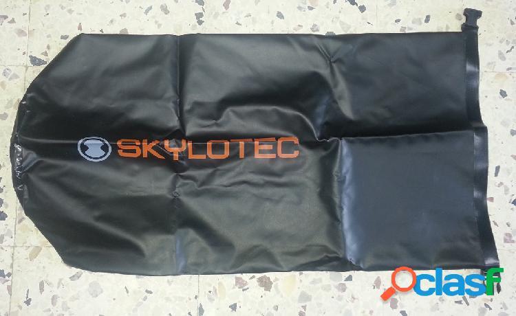 Sacco stagno sac etanche skylotec in pvc con chiusura a fibbia 84x45 cm
