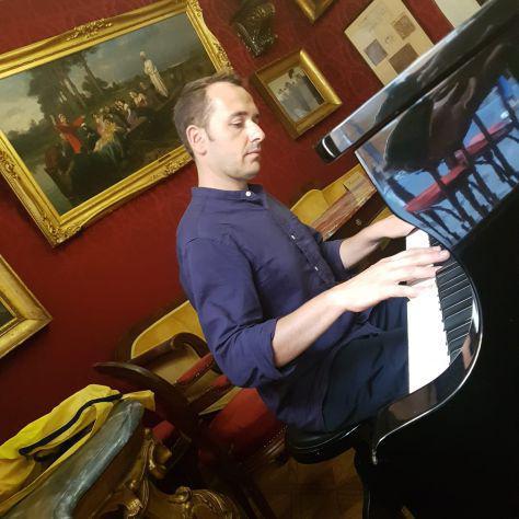 Impara a suonare il pianoforte!