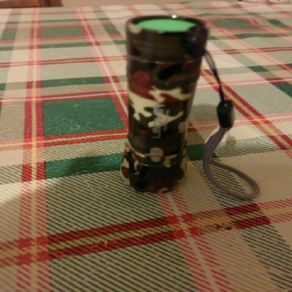 Mini torcia led tascabile militare con zoom