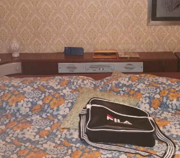 Letto anni 70 con radio incorporata con comodini in vendita guidonia montecelio - vendita mobili usati
