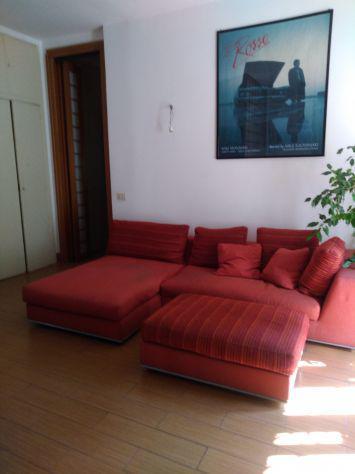 Divano angolare due posti + longuette + pouf poltrone sofa