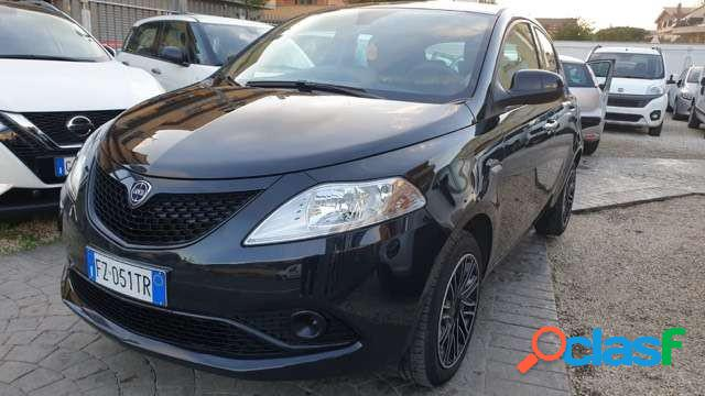 Lancia ypsilon benzina in vendita a fiumicino (roma)