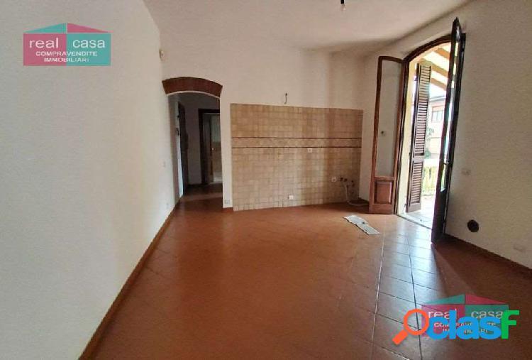 Appartamento ristrutturato con ampio terrazzo