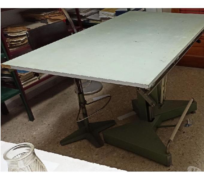 Tavolo da disegno con tecnigrafo salerno