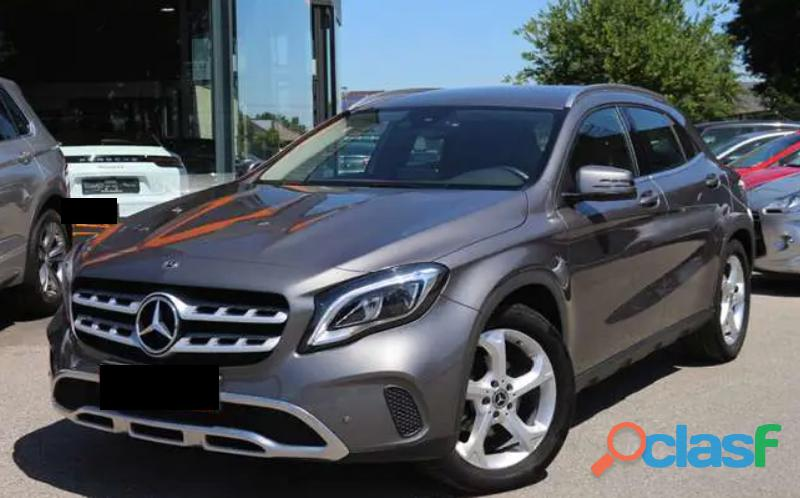 Mercedes GLA 180 Xenon Camera 2017