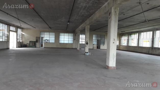 Capannone e palazzina uffici e abitazione
