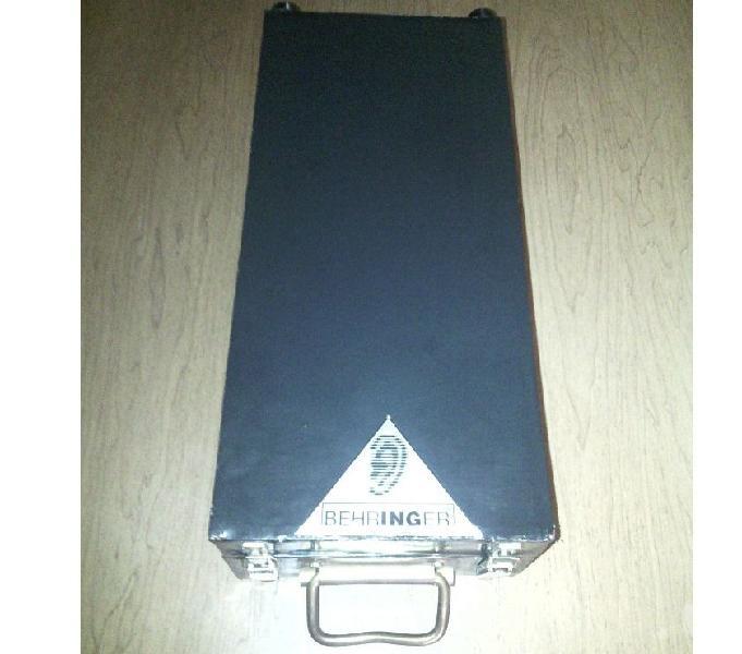 Flight case valigetta valigia console mixer behringer dfx69 vittoria