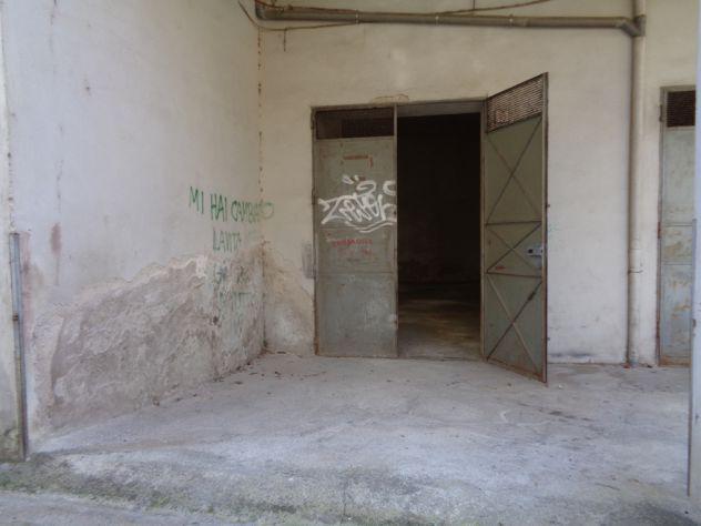 Giffoni v.p. centro garage di mq 90