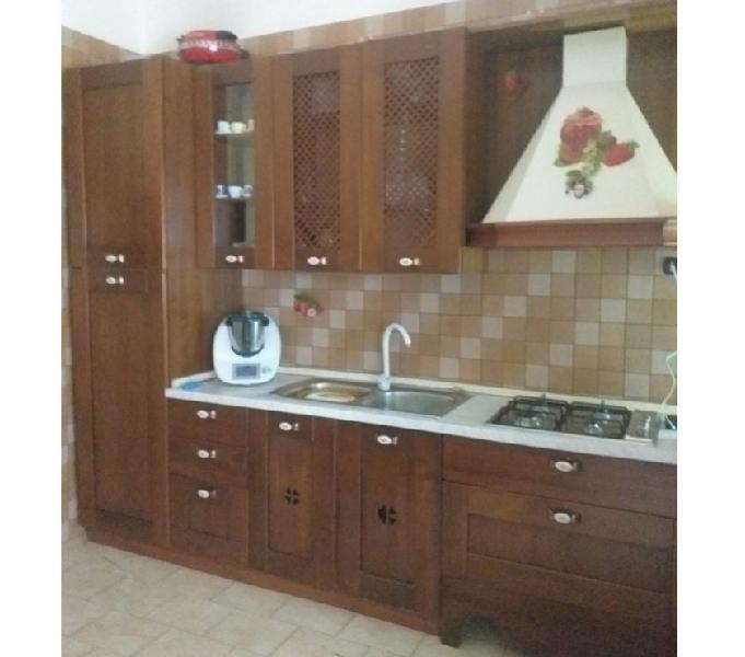 Cucina legno 4 metri completa di tutto euro 700 in vendita napoli - vendita mobili usati