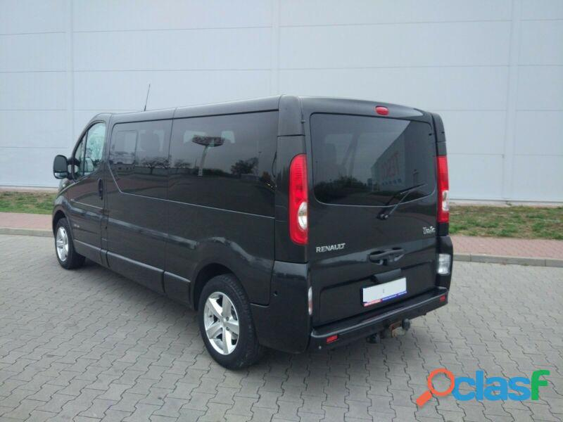 Renault Trafic Grand Passenger Black Edition