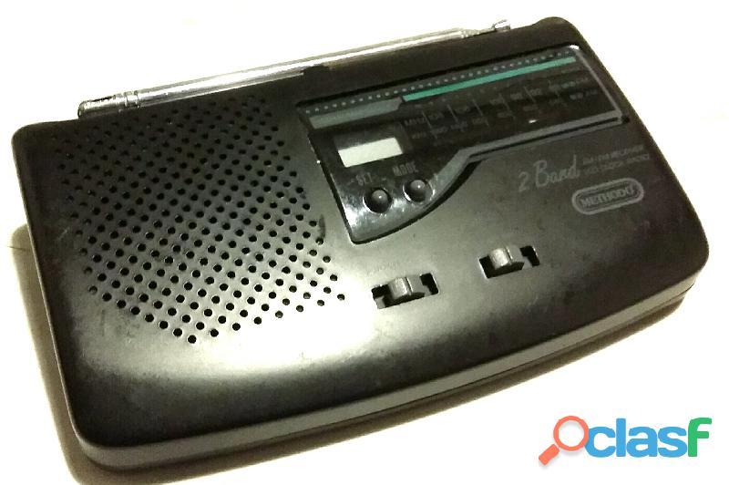 Vecchia radiolina Methodo' mod.RSV542 Am/Fm alarm clock radio perfetto