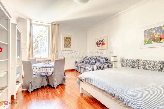 Appartamento di 53mq in via frattina a roma