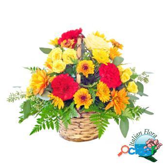 Cesto di fiori bellissimo: giallo e arancio con roselline e gerbere - consegna in italia.
