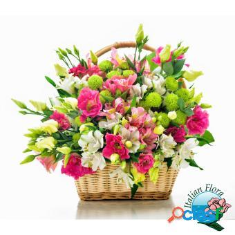 Cesto di fiori misti bianchi e rosa per fare gli auguri - consegna in italia.