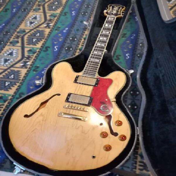 Chitarra elettrica semiacustica epiphone sheraton ii