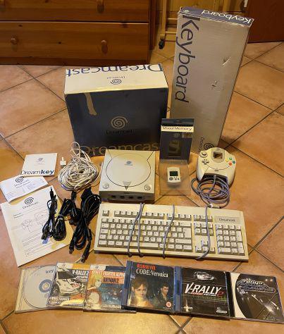 Sega dreamcast console (versione pal, europa) + giochi vari