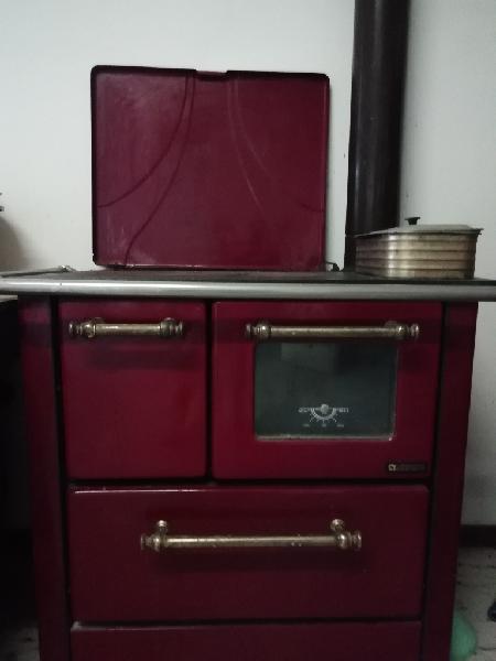 Stufa cucina a legna nordica