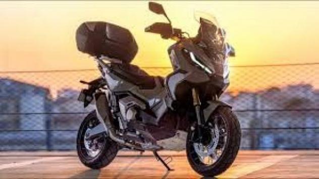 Honda x-adv 750 honda x-adv 750 abs dct gravel e5 rif.