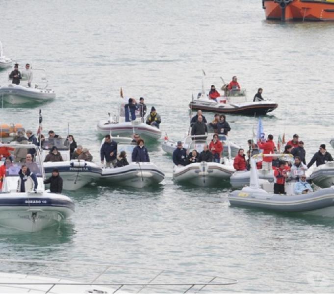 Gommoni affari privati usati bacoli - barche usate occasione