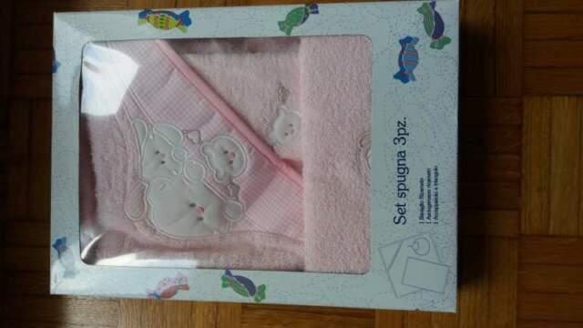 Bavaglia asciugamano accappatoio per bambina