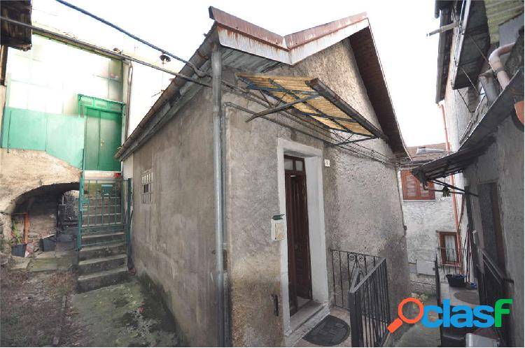 Casa semi indipendente da ristrutturare in vendita