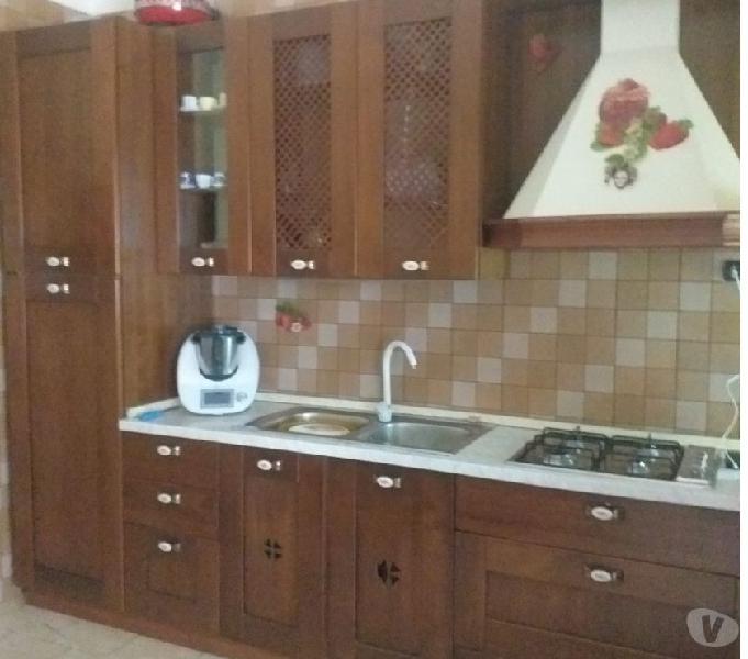 Cucina legno 4 metri completa di tutto euro 450 in vendita napoli - vendita mobili usati