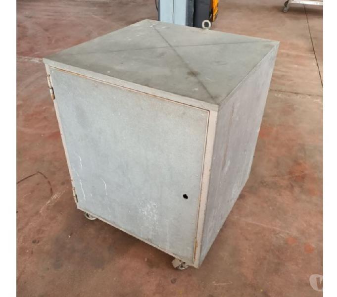 Box porta attrezzi usato con ruote erbè