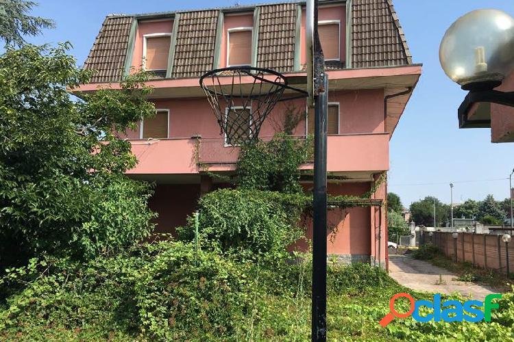 Villa all'asta quartiere taccona, via varese 19