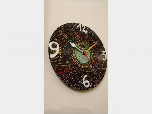 Orologio da muro decorato a mano su disco firmato