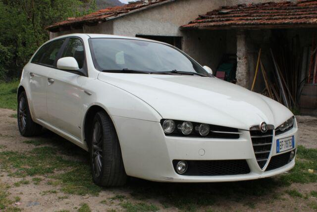 Alfa romeo jtdm sportwagon 159 2011 bianca diesel